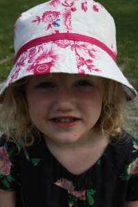 Minnie in new hat copy